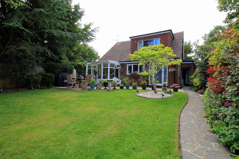 4 Bedrooms Detached House for sale in Holland Road, Steyning
