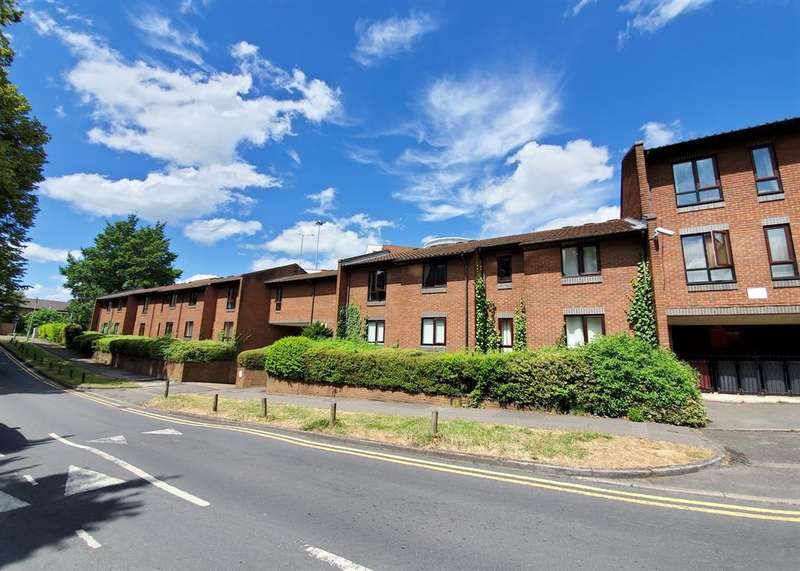 2 Bedrooms Apartment Flat for sale in Deansgate Road, Reading, RG1 2RZ