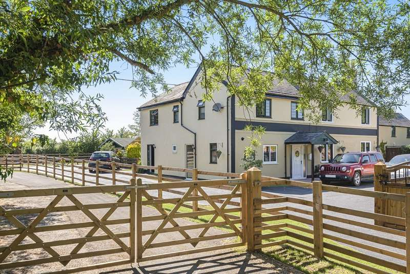 5 Bedrooms Detached House for sale in Bushton