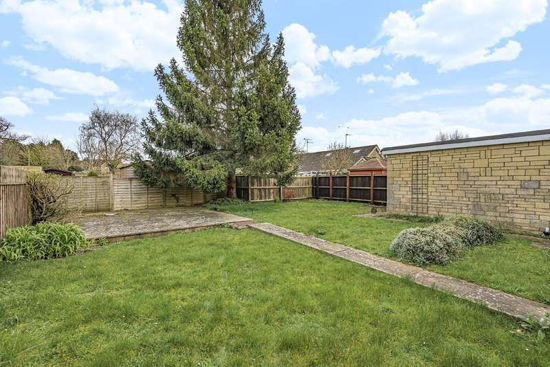 2 Bedrooms Semi Detached Bungalow for sale in Tetbury
