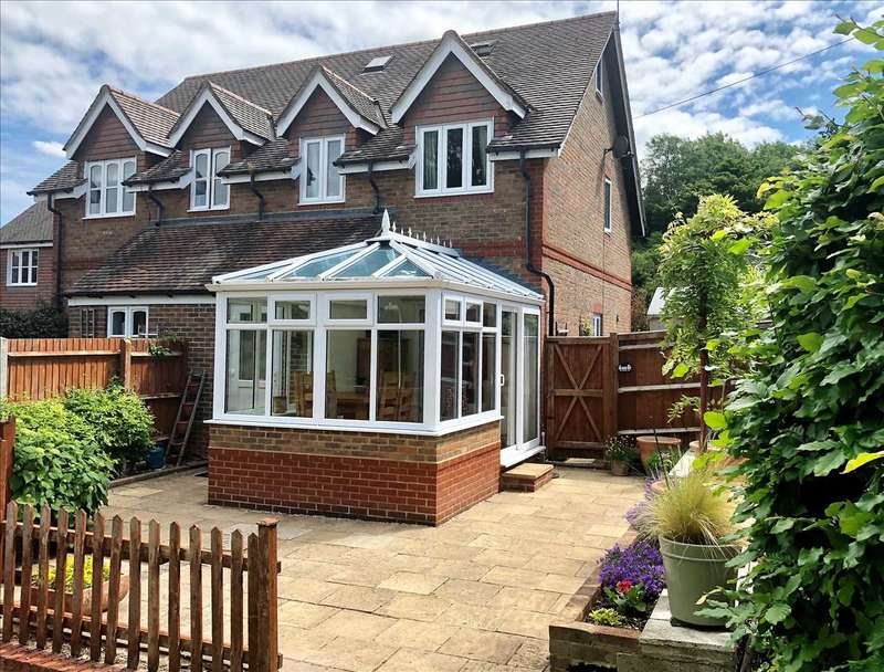 4 Bedrooms End Of Terrace House for sale in Marsden Court, Laverstoke, Whitchurch