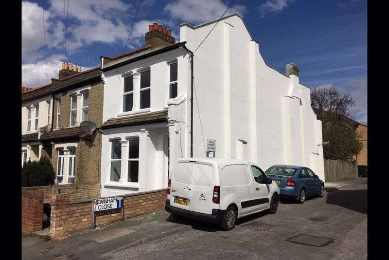 3 Bedrooms Property for sale in Bensham Grove, THORNTON HEATH
