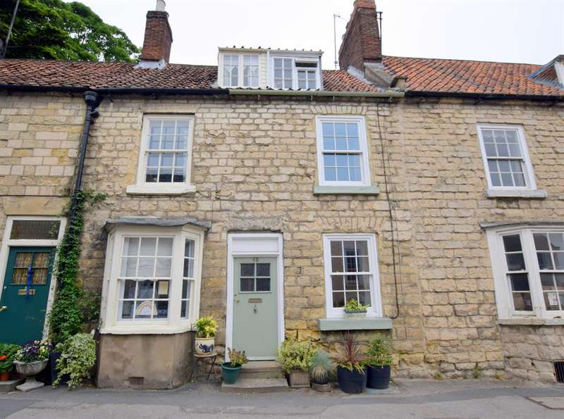 2 Bedrooms Terraced House for rent in Yorkersgate, Malton, YO17 7AB