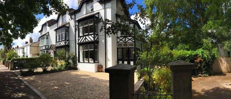 5 Bedrooms Property for sale in Kingsholm Square, Gloucester