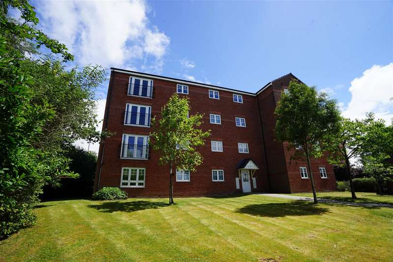 2 Bedrooms Apartment Flat for sale in Evergreen Avenue, Horwich, Bolton