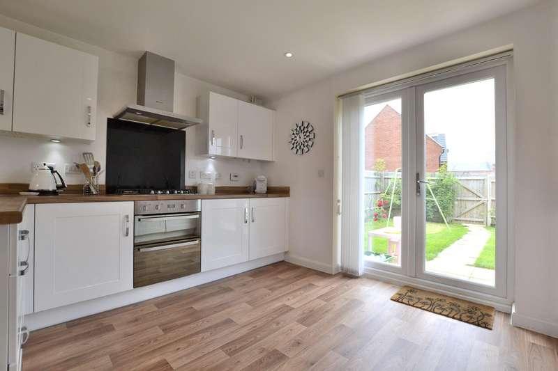 4 Bedrooms Detached House for rent in Chestnut Road, Brockworth, Gloucester, GL3