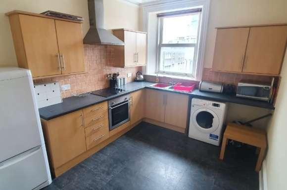 2 Bedrooms Flat for rent in John Street, Aberdeen, AB25