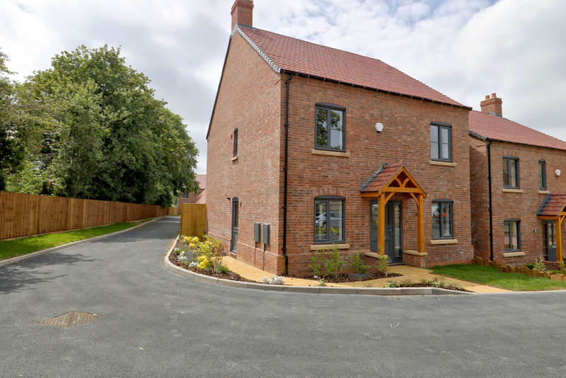 5 Bedrooms Detached House for sale in Saxon Close, Raunstone Grange, Ravenstone
