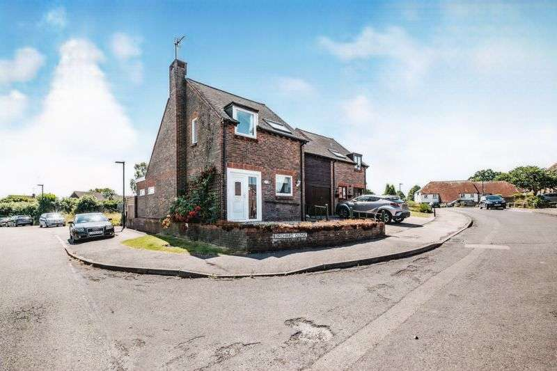 4 Bedrooms Property for sale in Orchard Close, Petworth GU28