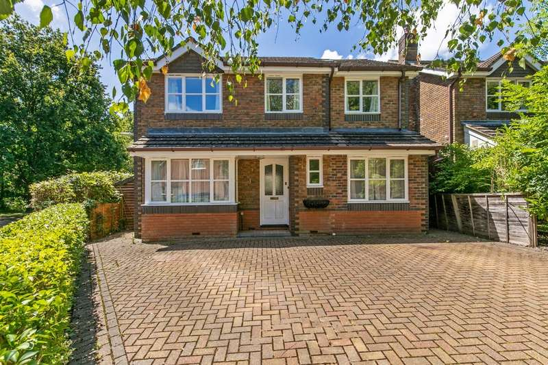 4 Bedrooms Detached House for sale in Lime Close, Colden Common, Winchester, SO21