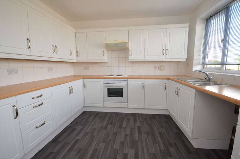 3 Bedrooms Maisonette Flat for rent in High Street , Epping, Essex