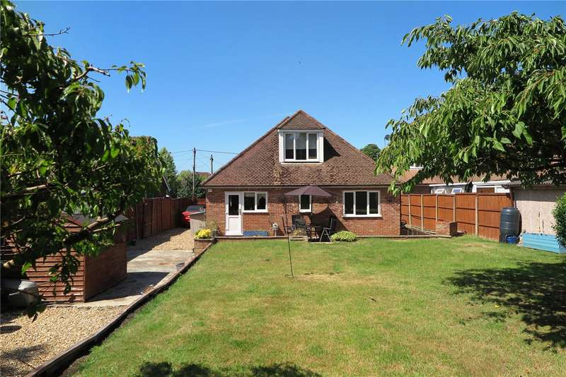 4 Bedrooms Detached Bungalow for sale in Windsor Road, Lindford, Hampshire, GU35