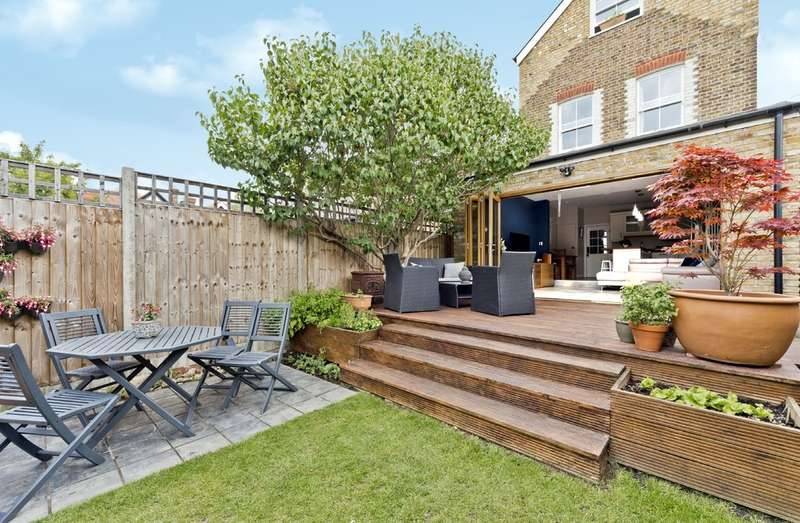 4 Bedrooms Detached House for sale in Bond Road, Surbiton