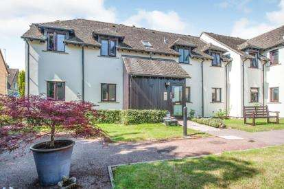 1 Bedroom Flat for sale in Pegasus Court, Bourton-on-the-Water, Cheltenham, Gloucestershire