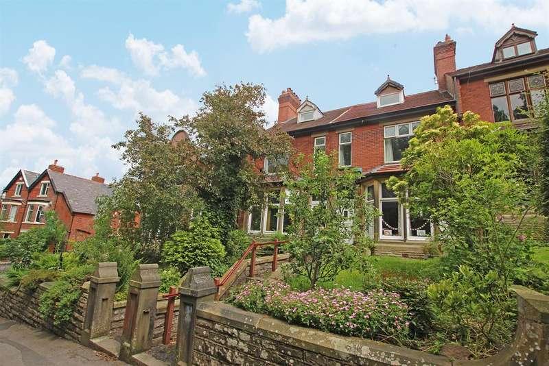 5 Bedrooms Terraced House for sale in Belgrave Road, Darwen, BB3 2SF