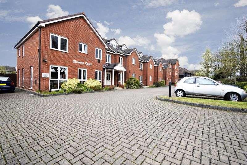 2 Bedrooms Property for sale in Stevens Court, Wokingham, RG41 5GU
