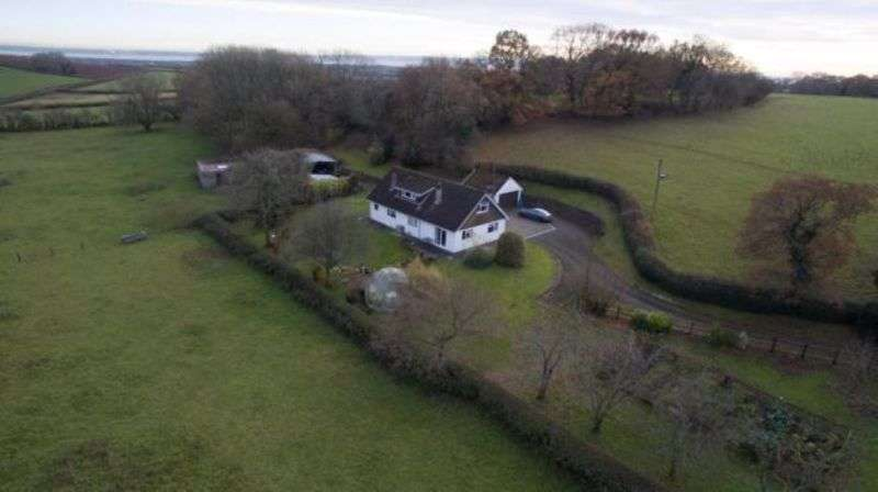 4 Bedrooms Property for sale in THE KNOLLBURY Undy, Caldicot