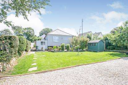 3 Bedrooms Bungalow for sale in Delabole, Cornwall, Uk