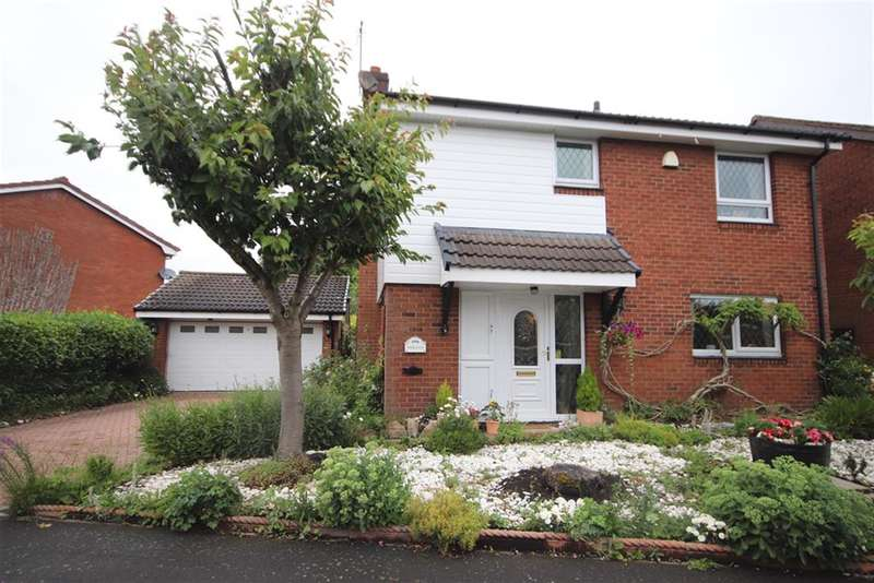 4 Bedrooms Detached House for sale in Elmridge, Leigh, WN7 1HN