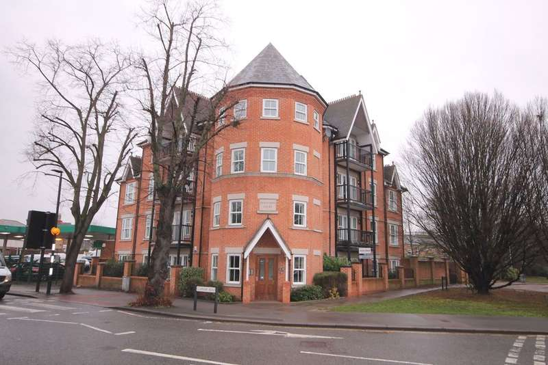 3 Bedrooms Apartment Flat for sale in Centurion Court, Tavistock Street, Bedford, MK40
