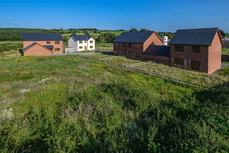 3 Bedrooms Detached House for sale in Llanddewi, Llandrindod Wells, LD1 6SF