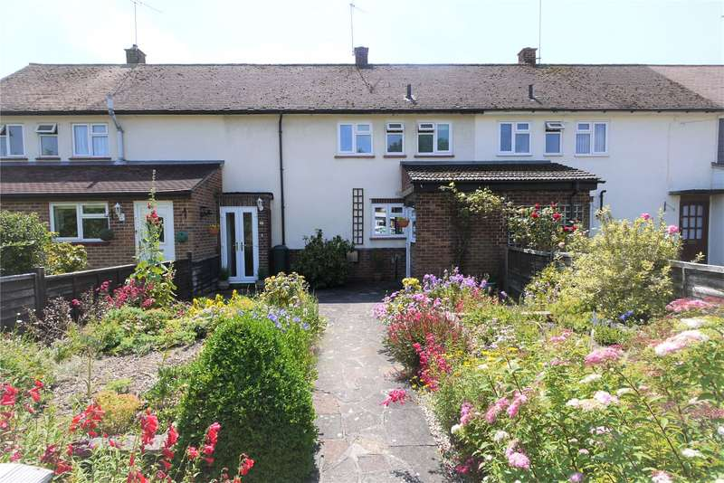 2 Bedrooms Terraced House for sale in Balmoral Road, Pilgrims Hatch, Brentwood, Essex, CM15