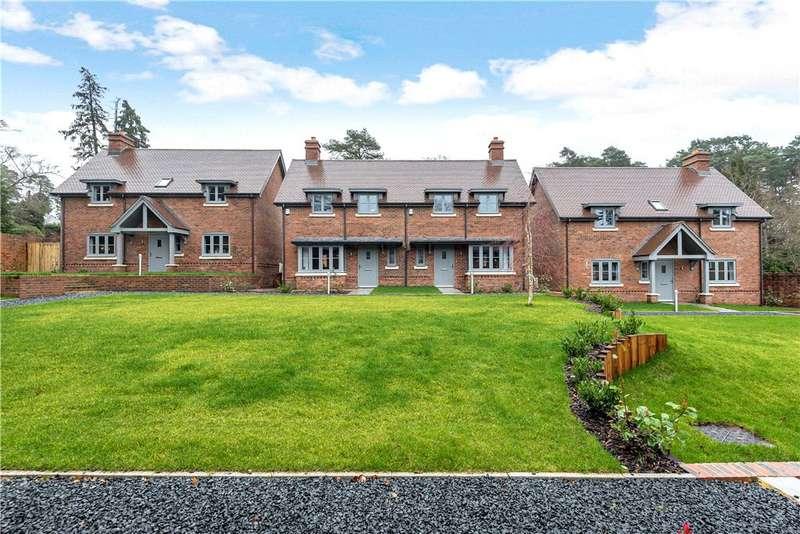 3 Bedrooms Detached House for sale in The Walled Garden, Tekels Park, Camberley, Surrey, GU15