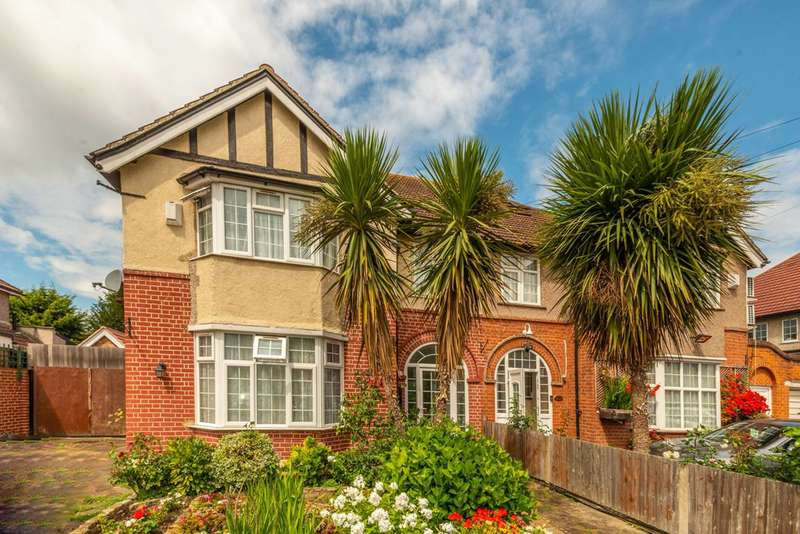 4 Bedrooms Semi Detached House for sale in Lampton Park Road, Hounslow, Hounslow, TW3