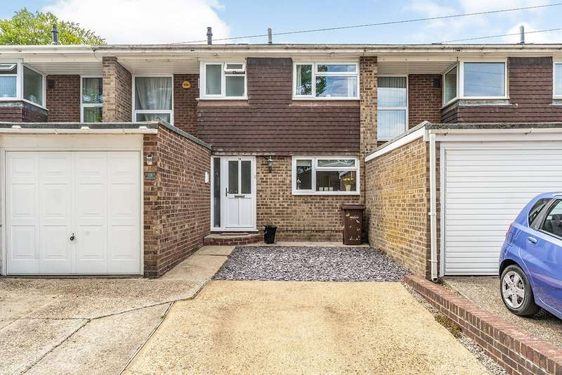3 Bedrooms House for sale in Walsingham Close, Rainham, Kent, ME8
