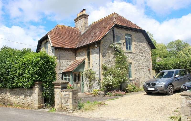 4 Bedrooms Detached House for sale in Weymouth Road, Evercreech