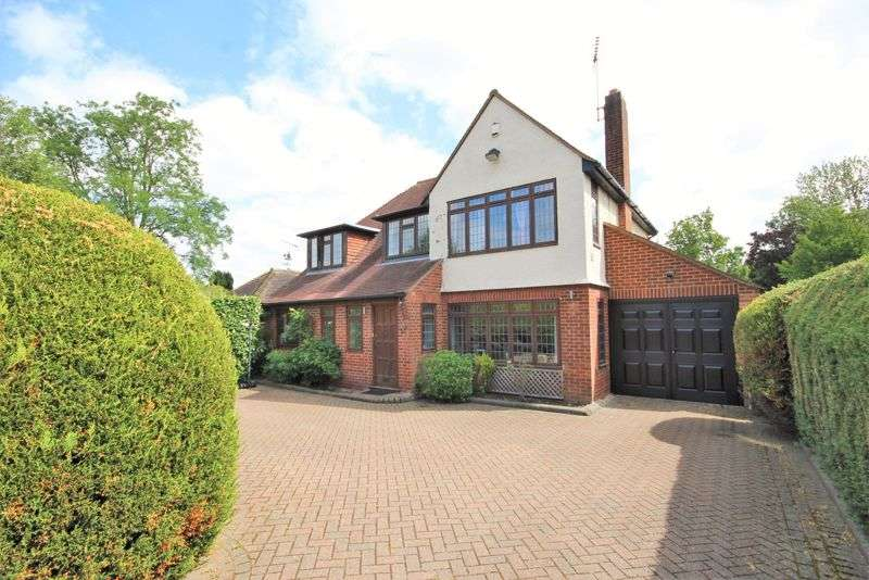4 Bedrooms Property for sale in Priests Lane, Old Shenfield