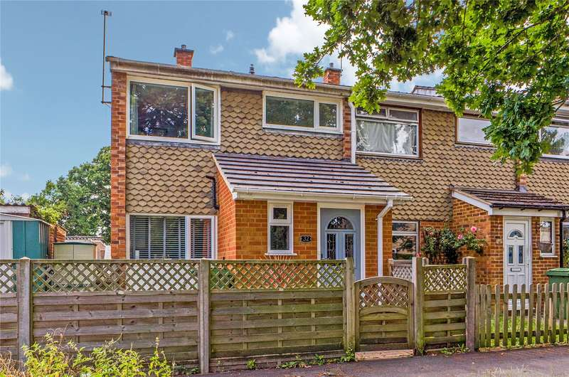 3 Bedrooms End Of Terrace House for sale in Stephens Road, Tadley, Hampshire, RG26