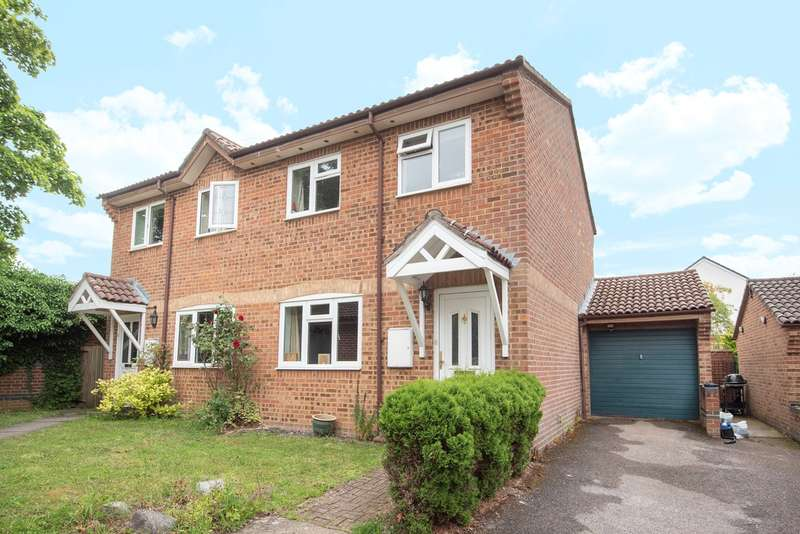 3 Bedrooms Semi Detached House for sale in Galloway Close, South Ham, Basingstoke, RG22