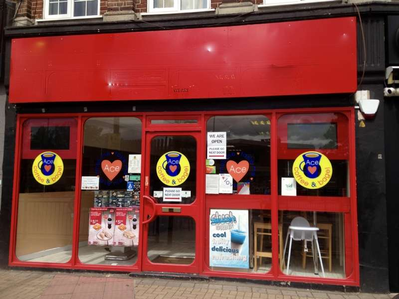 Commercial Property for rent in Station Road, Upminster