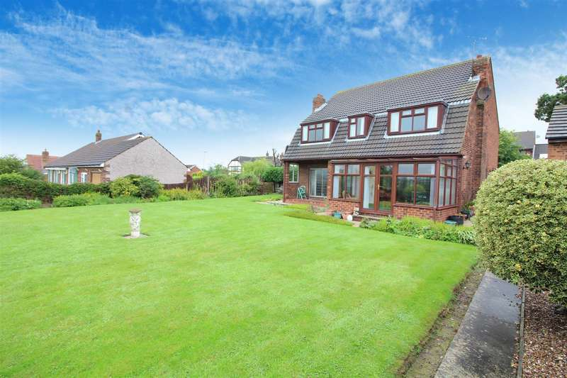 4 Bedrooms Detached House for sale in Selby Road, Garforth, Leeds