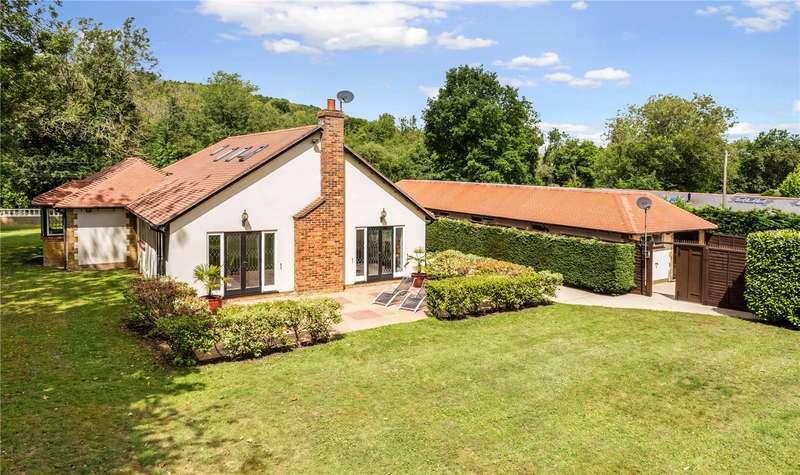 4 Bedrooms Detached House for sale in Knatts Valley Road, Knatts Valley, Sevenoaks, Kent, TN15