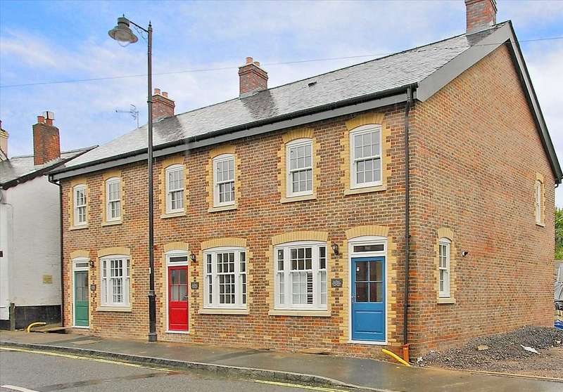 3 Bedrooms Terraced House for sale in Baytree Cottages, London Street, Whitchurch
