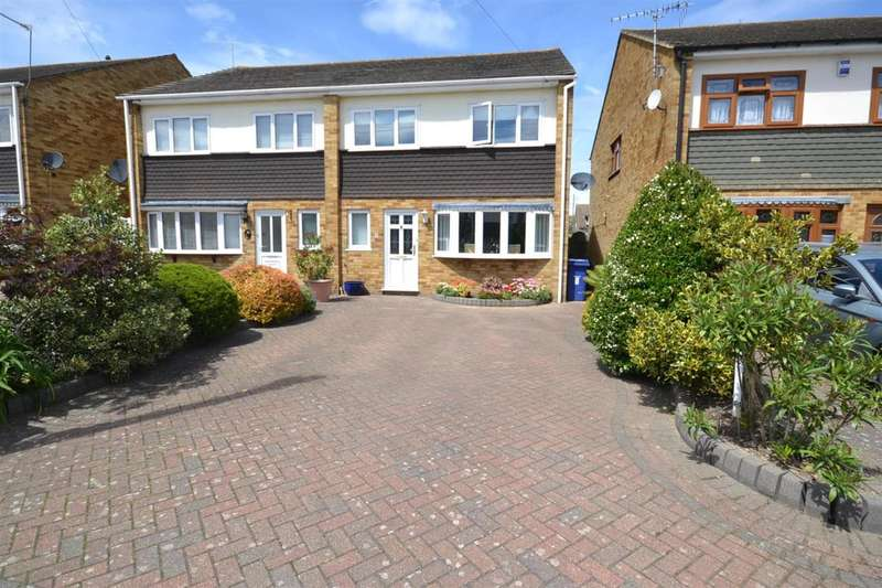 4 Bedrooms Semi Detached House for sale in Hampshire Gardens, Linford