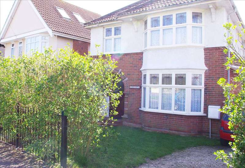 5 Bedrooms Detached House for sale in Main Road, Harwich