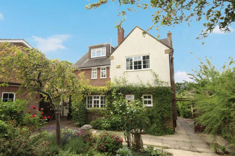 5 Bedrooms Detached House for sale in Bouverie Avenue South, Salisbury