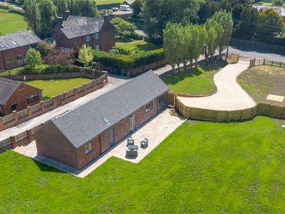 3 Bedrooms Detached Bungalow for sale in Beamhurst, Uttoxeter, Staffordshire