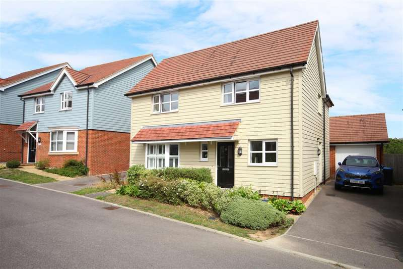4 Bedrooms Detached House for sale in Amaryllis Road, Burgess Hill