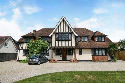 5 Bedrooms Detached House for sale in Ramsden Bellhouse, Billericay, Essex