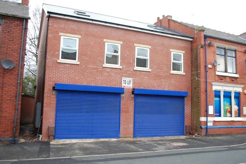 3 Bedrooms Flat for rent in Canterbury Street, Ashton-Under-Lyne, OL6