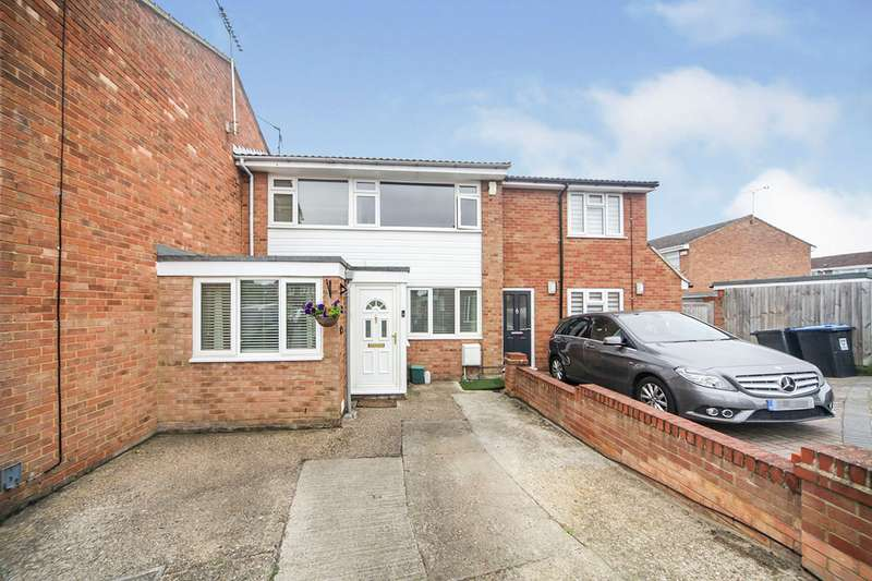 4 Bedrooms House for sale in Bronte Crescent, Hemel Hempstead, Hertfordshire, HP2