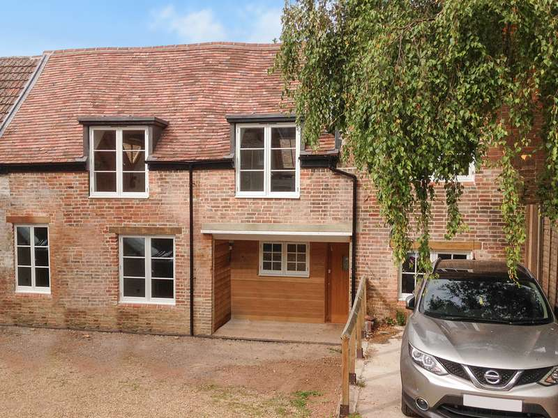 2 Bedrooms Cottage House for sale in Bishops Waltham, Hampshire