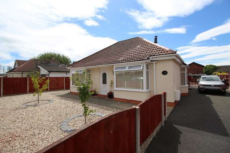 3 Bedrooms Detached Bungalow for sale in Clwyd Park, Kinmel Bay, Rhyl, Conwy, LL18