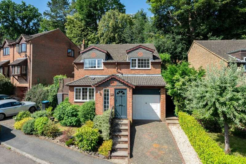 4 Bedrooms Detached House for sale in BEAUTIFUL DETACHED HOME, with Garage, APPROACHING 1400 SQ FT