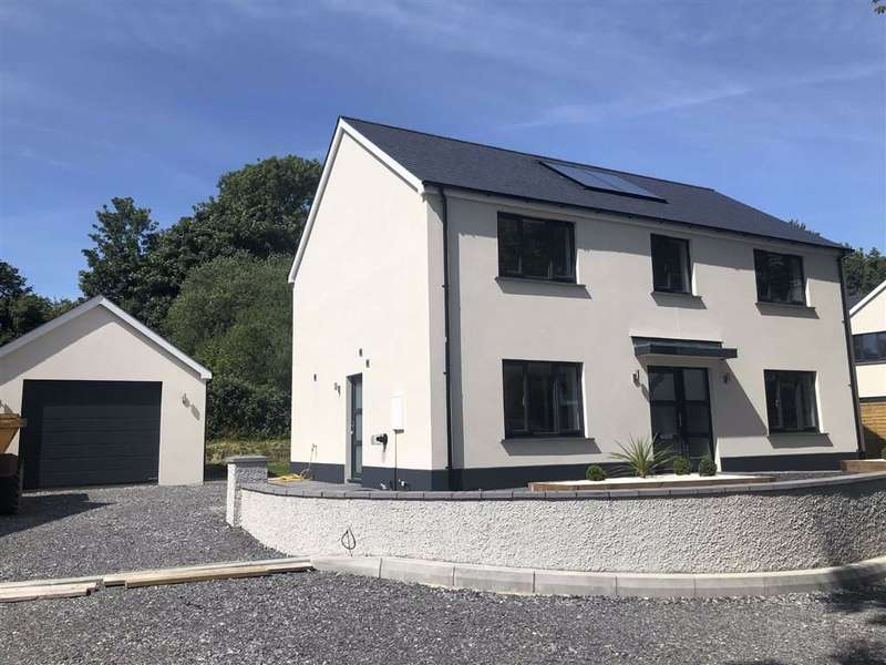 4 Bedrooms Detached House for sale in Parc Clomendy, Llansteffan