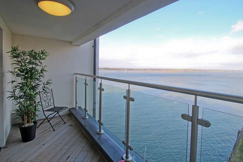 3 Bedrooms Apartment Flat for sale in Doc Fictoria, Caernarfon, Gwynedd, LL55
